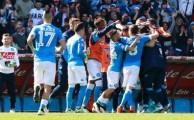 Napoli-Verona 3-0, Higuain non c'è, i gol li fanno Gabbiadini, Insigne e Callejon